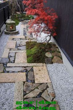 Best Small Yard Landscaping & Flower Garden Design Ideas - The Expert Beautiful Ideas Small Japanese Garden, Mini Zen Garden, Japanese Garden Design, Japanese Maple, Zen Garden Design, Flower Garden Design, Path Design, Flowers Garden, Small Backyard Gardens