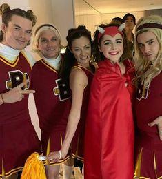 Archie Comics, Sabrina Cast, Romantic Comedy Movies, Jokes And Riddles, Kiernan Shipka, Sabrina Spellman, Memes, Documentary Film, Funny Wallpapers