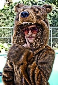 Blake Anderson rocks a bear coat in Workaholics & Pin by ROMÁRIO ALMEIDA on Workaholics