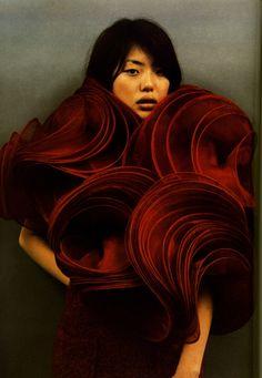 "cotonblanc: ""Junya Watanabe by Chikashi Suzuki for Dune Magazine, "" 3d Fashion, Fashion Details, Couture Fashion, Editorial Fashion, Fashion Design, Magazine Editorial, Fashion Beauty, Rei Kawakubo, 3d Mode"