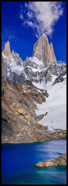 Argentine-Chilean Andes   ♦♦ Laguna de los Tres with Monte Fitz Roy (3405m) in the background ♦♦  The Fitz Roy, also Cerro Fitzroy or Cerro Chaltén, occasionally FitzRoy, is a 3406 meter high granite mountain in the Argentine-Chilean Andes   #by Robert Downie  #argentinien chile mountain sea lake sky clouds landscape nature amazing
