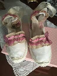 Resultado de imagen para sandalias de esparto a crochet para niñaspaso a paso } Diy Fashion, Fashion Shoes, Millinery Hats, Shoe Art, Urban Chic, Canvas Leather, Vintage Shoes, Designer Shoes, Espadrilles