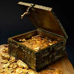 """The Forrest Fenn Treasure has earned its own day in Santa Fe New Mexico. """"Thrill of the Chase Day"""" to honor Fenn who offers a great treasure to share. Buried Treasure, Treasure Chest, Treasure Hunting, Pirate Treasure, Treasure Maps, Indiana Jones, Forrest Fenn Treasure, New Mexico, Rare Gold Coins"""