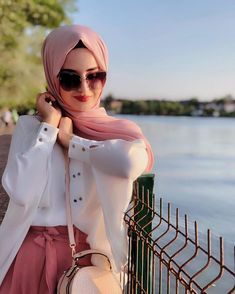 Image may contain: one or more people and outdoor Hijabi Girl, Girl Hijab, Hijab Outfit, Stylish Girls Photos, Stylish Girl Pic, Modest Fashion Hijab, Muslim Fashion, Beautiful Muslim Women, Beautiful Hijab