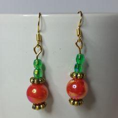 #earrings#jewellery#goldplated#handmade#matchingearrings#dangle#gold#orange#orangered#green#emeraldgreen#emerald#black#ABbeads#acrylic#flower#beaded#beads#bead#christmas#xmas#AB#colourful#iridescent#gift#gifts#earring#redgreen#orangegreen#giftforher#giftforgirls