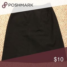 Dressy skirt Work skirt by Worthington. Great condition, fits to the knee Skirts