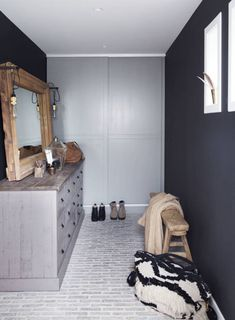 super See the hard home of Marianne – KK.no … - Home Decoration Interior Inspiration, Room Inspiration, Estilo Cottage, Country Modern Home, Bungalow Renovation, Gray Rock, Out Of The Closet, Amber Interiors, Decorating Blogs
