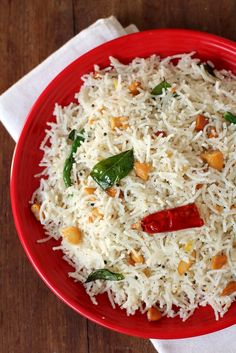 Coconot Sevai - a quick, flavorful #breakfast or #tiffin made with rice sevai or string hoppers, Indian #spices and freshly grated coconut. www.sailusfood.com