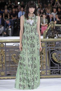 John Galliano RTW Spring 2015 - Slideshow - Runway, Fashion Week, Fashion Shows, Reviews and Fashion Images - WWD.com