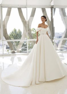 Discover our Pronovias Wedding Dress Collection. View our amazing selection of unique bridal dresses and gowns featuring the latest trends. Pronovias Wedding Dress, Couture Wedding Gowns, Wedding Dress Trends, Princess Wedding Dresses, Wedding Dress Styles, Bridal Dresses, Timeless Wedding Dresses, Party Dresses, Hollywood Glamour