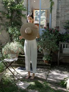 Finnen trousers in a soft white linen - available now pic by Women's Summer Fashion, Slow Fashion, Ethical Fashion, Fashion Tips, Fashion Design, Womens Fashion, Ladies Fashion, Fashion Ideas, Style Fashion