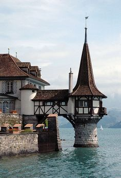 Lovely French Getaway Oberhofen Castle - Lake of Thun, Switzerland.Oberhofen Castle - Lake of Thun, Switzerland. Places Around The World, Oh The Places You'll Go, Places To Travel, Places To Visit, Around The Worlds, Beautiful World, Beautiful Places, Beaux Villages, Voyage Europe