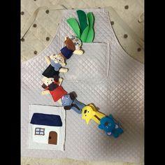 【アプリ投稿】おおきなかぶ   みんなのタネ   あそびのタネNo.1[ほいくる]保育や子育てに繋がる遊び情報サイト Wooden Board Games, Childcare, Grande, Dinosaur Stuffed Animal, Kids Rugs, Toys, Animals, Decor, Historia