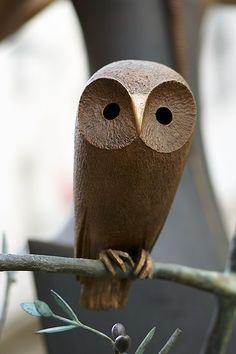Wood Carving Designs, Wood Carving Patterns, Wood Carving Art, Sculptures Céramiques, Bird Sculpture, Ceramic Animals, Wooden Animals, Owl Art, Bird Art