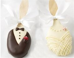 Chocolate Wedding Favors - Chocolate Covered Bride and Groom Praline Pops