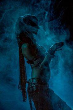 Rachel Brice, photo by Alma Oriental / Tribal fusion belly dance Rachel Brice, Danza Tribal, Tribal Belly Dance, Tribal Fusion, Dance Oriental, Dark Black, Kundalini, Arabian Nights, Punk