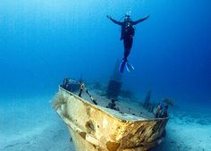 Fewer than 2% of divers achieve their #PADI Master Scuba Diver rating. Join an elite group: http://bit.ly/1zNFSUO