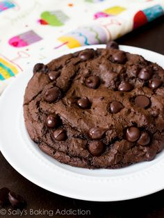 1 XXL Death by Chocolate Cookie - recipe for only 1 huge cookie. Also recipes for other single GIANT cookies. Really great chocolate-y cookie! Giant Cookie Recipes, Cookie Desserts, Giant Cookies, Just Desserts, Delicious Desserts, Dessert Recipes, One Big Cookie Recipe, Cookie Cakes, Cookie Flavors