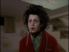 Johnny Depp in Edward Scissorhands Costume Design By Colleen Attwood Sweeney Todd, 90s Movies, Movie Tv, Edward Scissorhands Costume, John Depp, Scissors Hand, Tim Burton Films, Winona Ryder, Iconic Characters