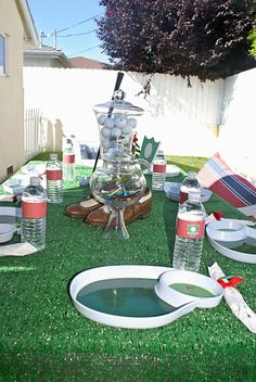 great golf tablescape - love the golf shoes, club, and turf!  :)