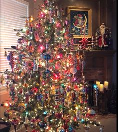 Remembering how we used tinsel on our trees. Antique Christmas, Merry Little Christmas, Christmas Past, Christmas Holidays, Vintage Christmas Trees, 1950s Christmas, Christmas Things, Primitive Christmas, Country Christmas