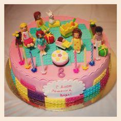 Lego+Friends+Or+Barbie+Mega+Blocks+Cake++Party+cakepins.com