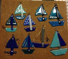 Fused Glass Boats www. Fused Glass Ornaments, Fused Glass Art, Stained Glass, Mosaic Art, Mosaic Glass, Glass Boat, Glass Fusion Ideas, Slumped Glass, Driftwood Art