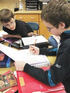 Middle School Literature Circles: advice for establishing and links to other resources