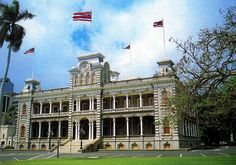 Iolani Palace, Honolulu - the only palace in the United States. Hawaii Life, Aloha Hawaii, Honolulu Hawaii, Hawaii Travel, Vacation Places, Vacation Destinations, Dream Vacations, Holiday Destinations, Visit Hawaii