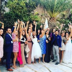 Smiling faces and happy times at the best #KivotosMykonos wedding :bride_with_veil: See you next year for the wedding anniversary @elenita_mykonos :ring::two_hearts: #weddingday #joy #bride #mykonos #weddingsingreece #weddinginspiration #greece #cyclades_
