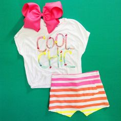 Brighten up the day with a fun outfit!!! #Colibrí #DF #SPGG #OutfitOfTheDay #CoolChic #Shirt #Skirt #GirlsWear #TopPicks #Accessories #Bows #FashionLovers