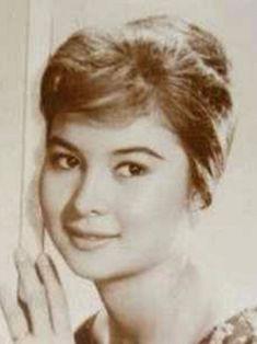 Josephine Estrada, Miss Philippines 1962 and film actress, 1960s #kasaysayan #HERstory Joseph Estrada, 50s Actresses, Miss Philippines, Filipino Fashion, Philippine Women, Mother Dearest, Filipina Beauty, International Film Festival, Beauty Queens