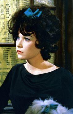 """Shirley MacLaine - """"Irma La Douce"""" (1963) - Costume designer : Orry-Kelly"""
