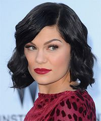 Jessie J Hairstyle: Casual Medium Wavy Hairstyle