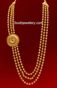 Three Lines Gundla Mala with Side Pendant - Indian Jewellery Designs Gold Wedding Jewelry, Gold Jewelry Simple, Bridal Jewelry, Gold Earrings Designs, Gold Jewellery Design, Necklace Designs, Pendant Jewelry, Gold Pendant, Pearl Jewelry