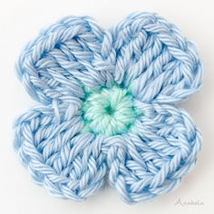 Design Crafts, Diy Crafts, Design Blogs, Crochet Flowers, Merino Wool Blanket, Blue Flowers, Instagram, Videos, Strands