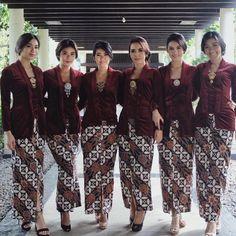 Baju-Kebaya-Kombinasi-Batik.jpg (1080×1080)