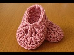 ▶ EASY crochet baby ballet slippers - dainty crochet baby booties / shoes - YouTube