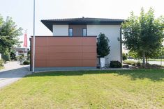 modernes HARTL HAUS mit Carport - das Musterhaus Style 163 W in Graz Villa, Garage Doors, Outdoor Decor, Blog, Home Decor, Style, Graz, Room Layouts, Modern Architecture