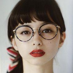 中条あやみ 眼鏡