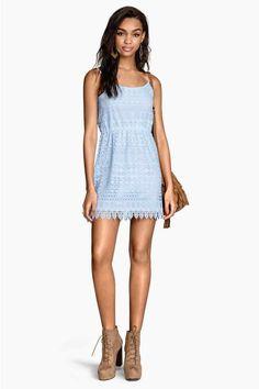 Koronkowa sukienka | H&M | 99,90 zł