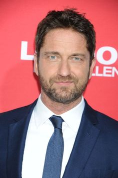 Gerard Butler takes to the red carpet for London Has Fallen premiere - Daily Record