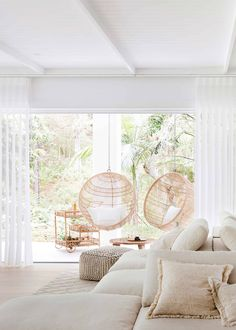 House Tour :: Modern Mediterranean with Millennial Style - coco kelley coco kelley Living Room Interior, Living Room Decor, Bedroom Decor, 50s Bedroom, Modern Mediterranean Homes, Mediterranean Living Rooms, Interior Styling, Interior Design, Estilo Tropical