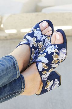 Embroidered blue floral mule   Sole Society Luella