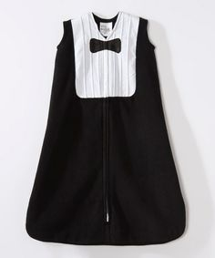 Aw, don't you just want to put your little man in this Halo SleepSack? Super cute!