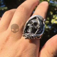 Mens Skull Jewelry, Geek Jewelry, Gothic Jewelry, Luxury Jewelry, Skull Fashion, Fashion Goth, Grim Reaper Tattoo, Face Reading, Pokerface