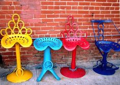Great chairs made from vintage tractor seats, horse shoes, and other miscellaneous pieces and parts.