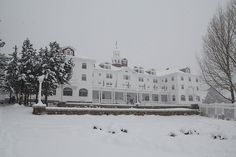 The Stanley Hotel, Estes Park, Colorado. Also know as The Overlook Hotel in The Shining Haunted Hotel, Most Haunted, Spooky Places, Haunted Places, Estes Park, Grand Canyon, The Stanley Hotel, Timberline Lodge, Le Colorado