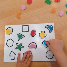 Abwechslung beim Puzzeln gefällig? Plastic Cutting Board, Diy, Paper, Playing Games, Homemade, Creative, Kids, Bricolage, Do It Yourself