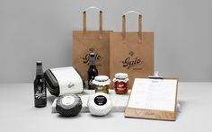 Galo Kitchen is an restaurant specialising in French-American inspired comfort cuisine. The naming is meant to articulate the French touch present in Galo's lovingly made food. Design by Anagrama  #Brand #Identity #Anagrama #Restaurant